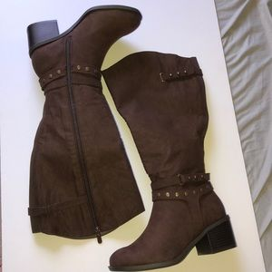 Brown boots 👢